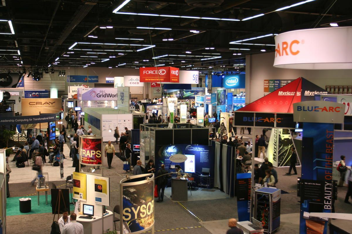 Creative Trade Show Display Ideas to Increase Booth Traffic