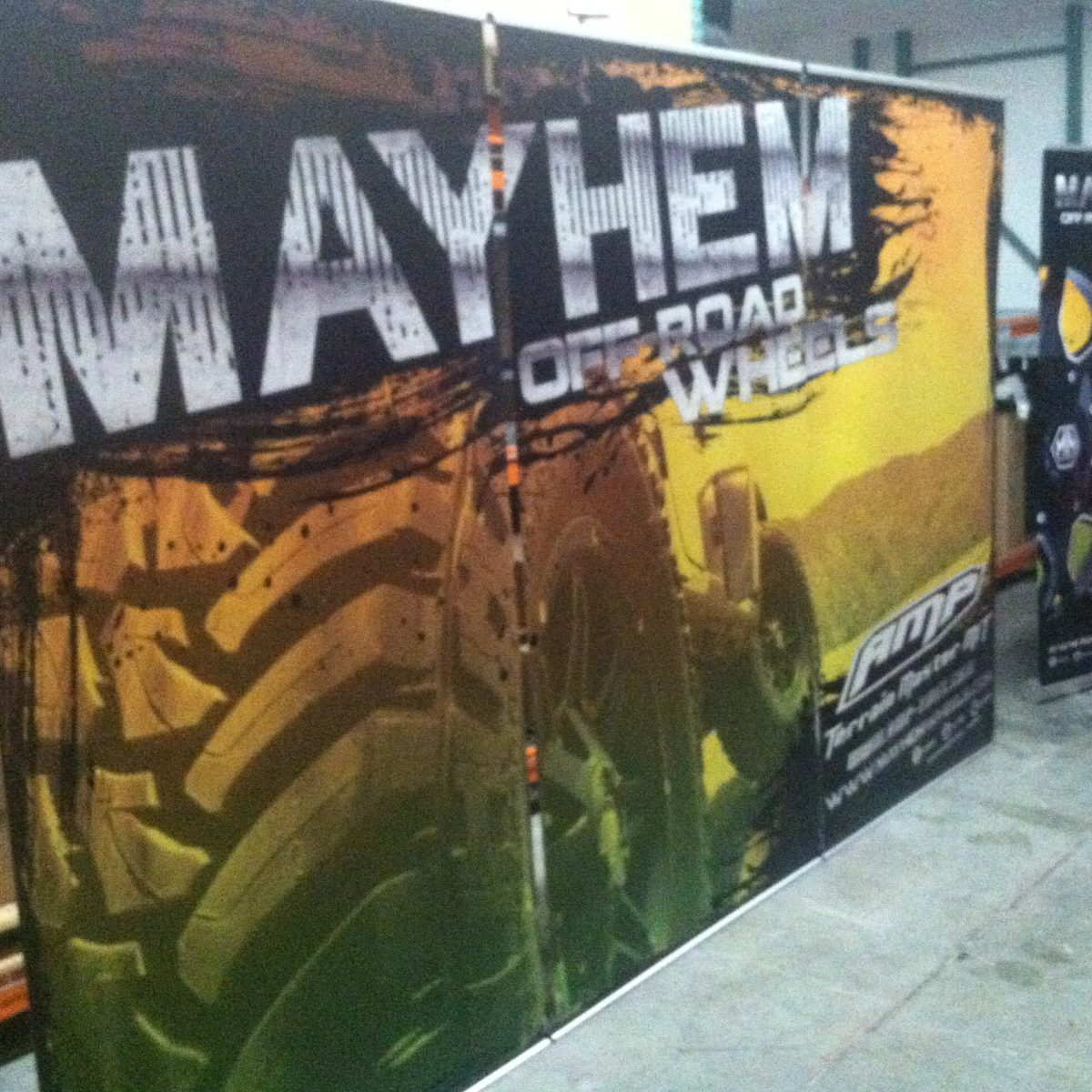 18) Retractable Banner Wall